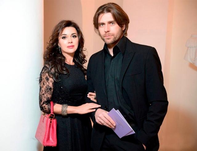 Анастасия Заворотнюк и Петр Чернышев 11 лет вместе: опубликованы редкие фото с венчания