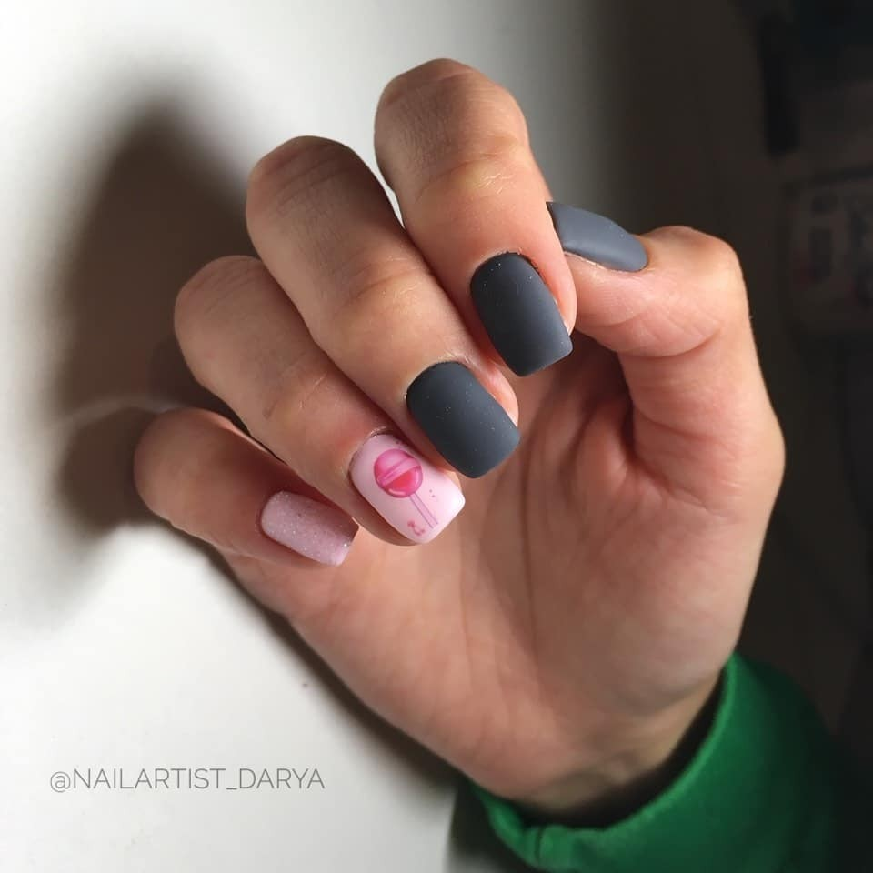 Зимний маникюр: 50 вариантов дизайна ногтей на любой вкус - галерея №1 - фото №2