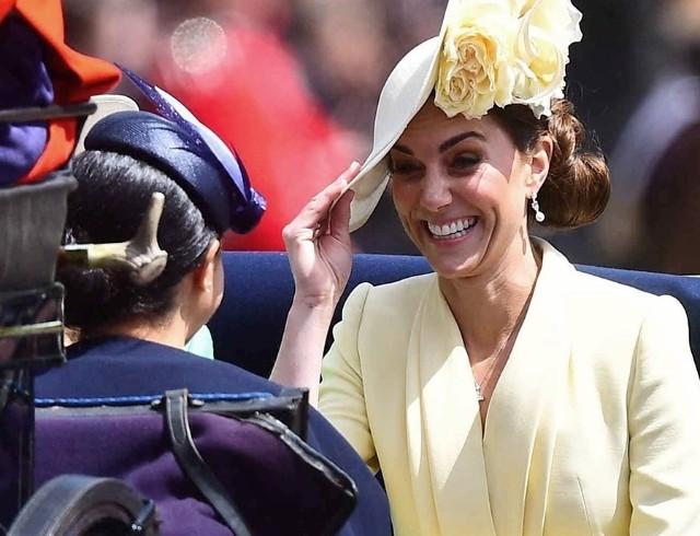 Кенсингтонский дворец дал комментарий по теме нервного срыва Кейт Миддлтон и ее ссоры с Меган Маркл