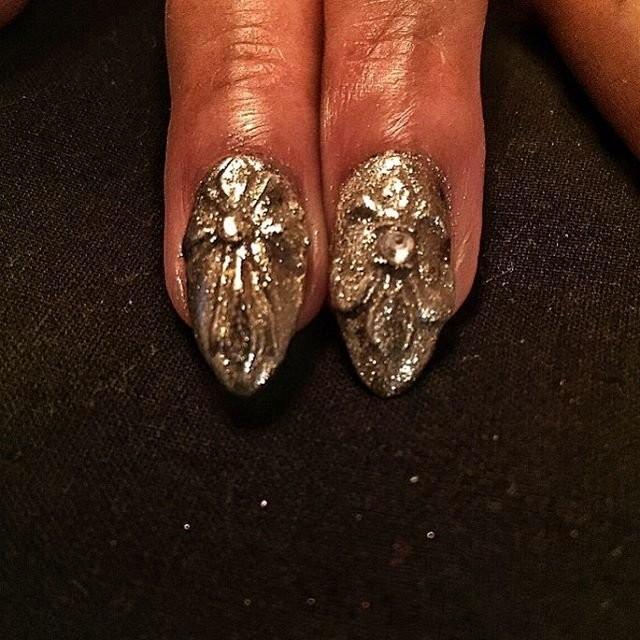 будет бриллиантовый дизайн ногтей фото произведения соединяют себе