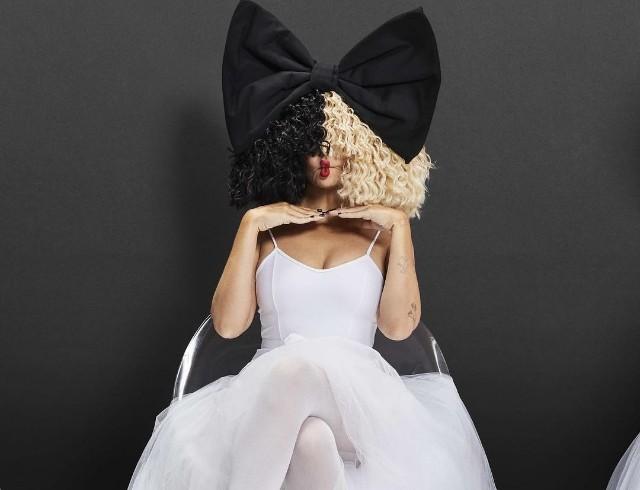 Sia в новом клипе опять сняла юную девочку-танцовщицу