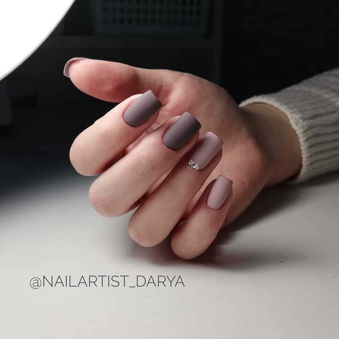 Зимний маникюр: 50 вариантов дизайна ногтей на любой вкус - галерея №1 - фото №4