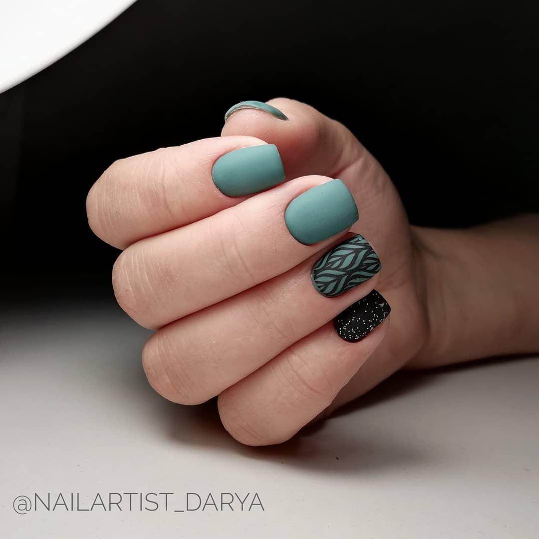 Зимний маникюр: 50 вариантов дизайна ногтей на любой вкус - галерея №1 - фото №5